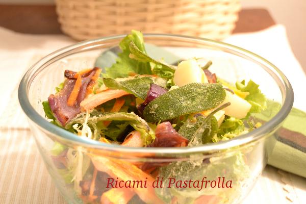 Insalata, verdure crude, salvia fritta, patate, antipasto, light, cena tra amici