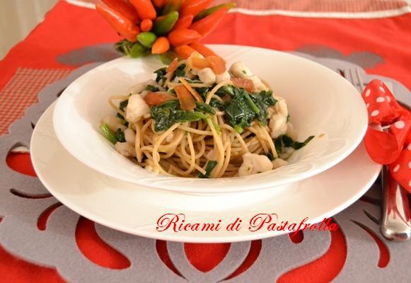 Spaghetti integrali con spinaci coda di rospo e bottarga