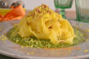 Tagliatelle_asparagi_pancetta_primi piatti_uovo_mimosa