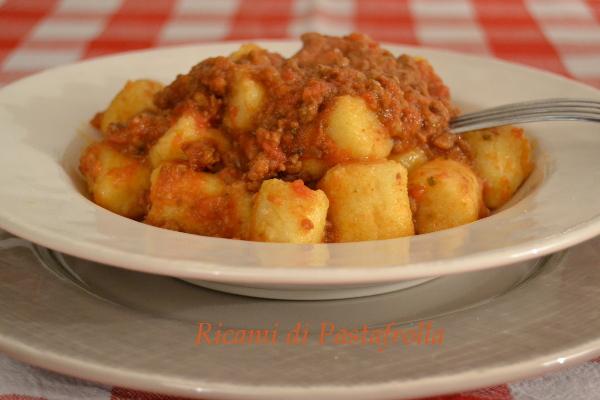 gnocchi con farina di semola e patate