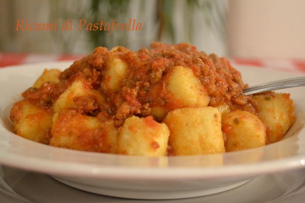 gnocchi di patate con farina di semola