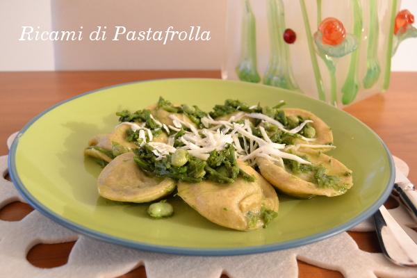 Ravioli, erbette, pasta fresca fatta in casa