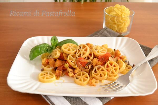 Ruote con pomodorini e olive