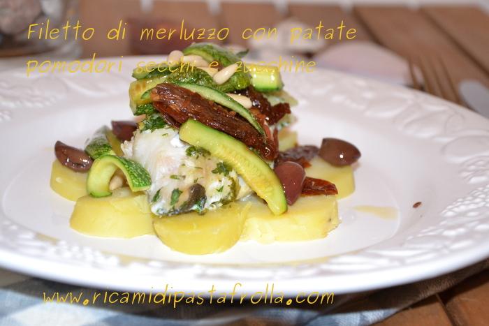 Merluzzo al forno con patate al vapore e verdure saltate