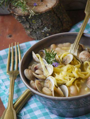 minestra di fagioli vongole e tagliolini