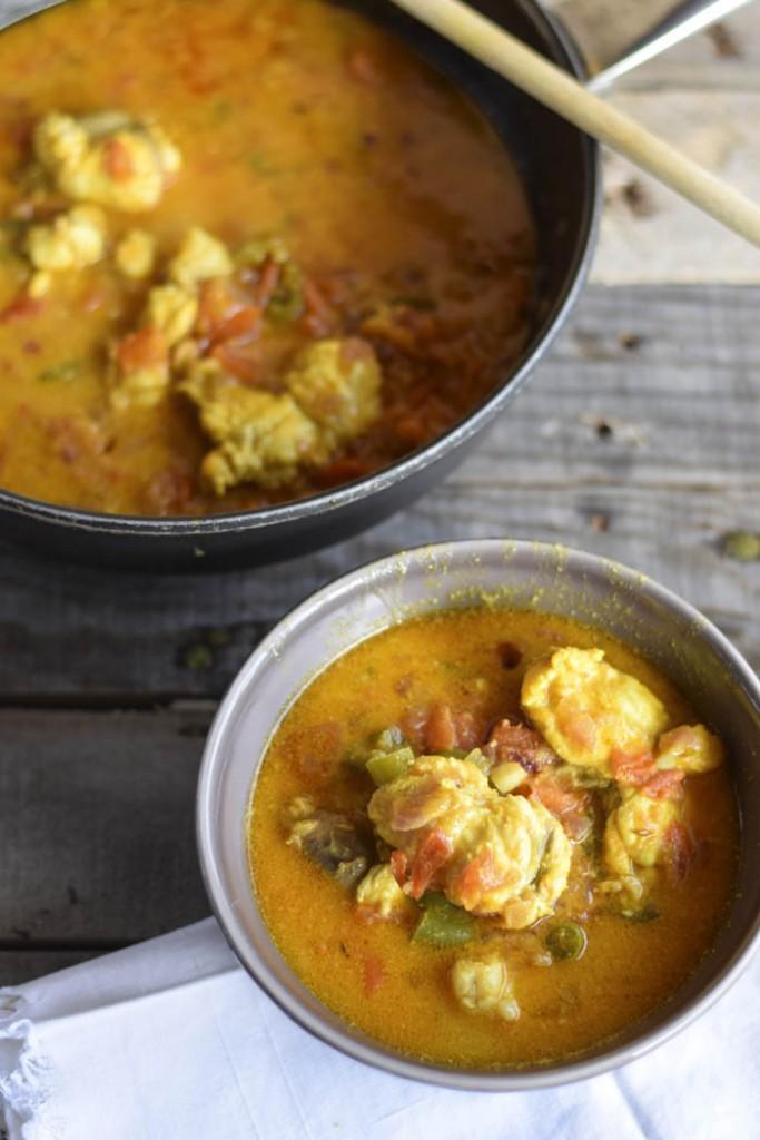 Zuppa di rana pescatrice alla curcuma e curry