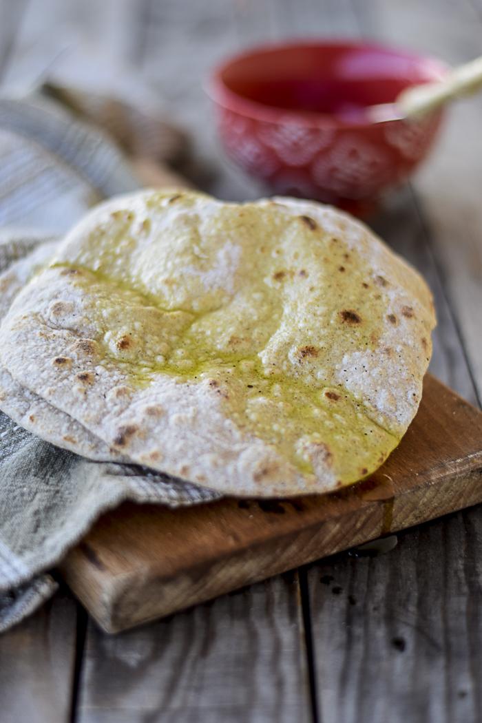 chapati, ricami di pastafrolla, pane senza lievito,
