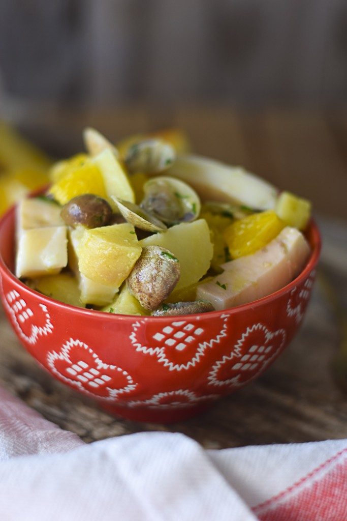 Insalata seppie lupini patate e olive