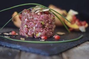 ricami di pastafrolla, tartare di chianina, ricetta facile, carne rossa