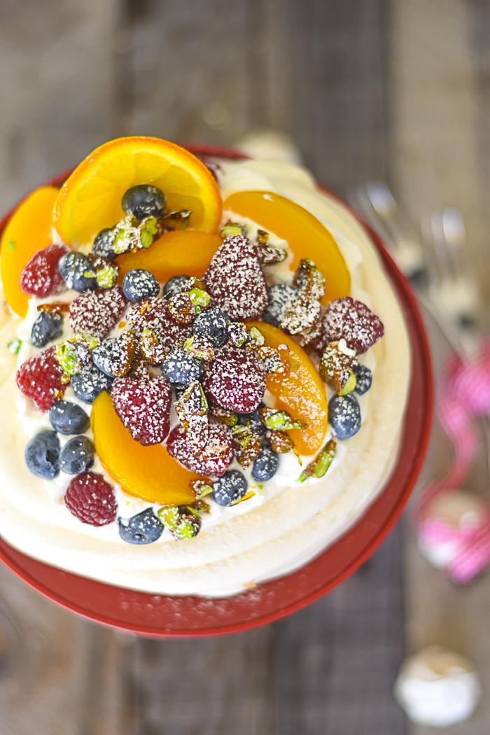 dolci con la panna, meringa, dolci frutta frasca, lamponi, dolci al cucchiaio,