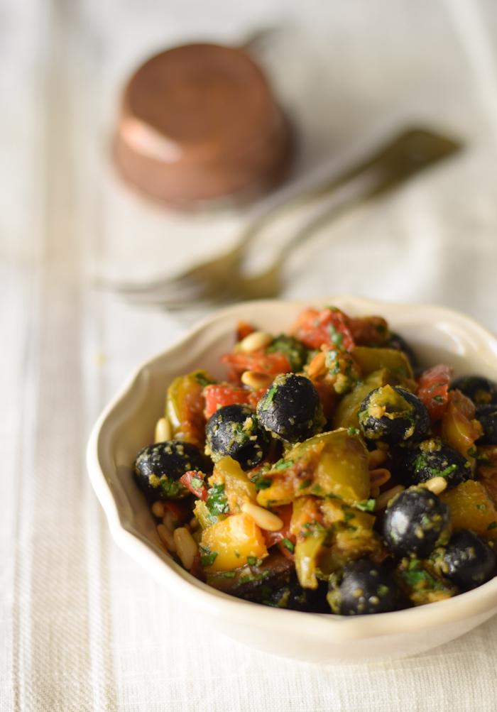 peperoni saporiti, ricetta peperoni, peperoni e olive, caponata,