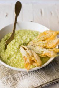 risooto zucchine, ricette fiori di zucca, come cucinare il risotto, risotto verudre