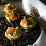 Tartellette salmone e avocado velocissime