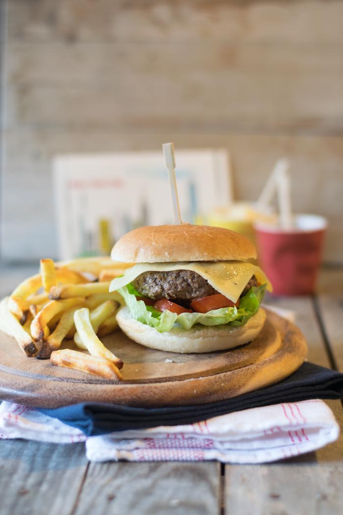 hamburger fatto in casa, cena tra amici, american recipe, american style, come preparare l'hmburger