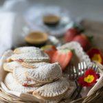 Mezzelune dolci alla marmellata