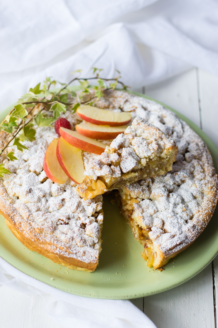 crostata mele e frutta secca, crumble, mele, ricetta frutta secca, ricette mela, ricami di pastafrolla, colazione, merenda, ricette bambini