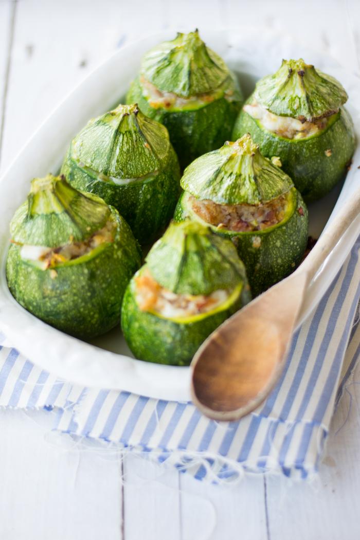 la ricetta delle zucchine ripiene cotte in forno