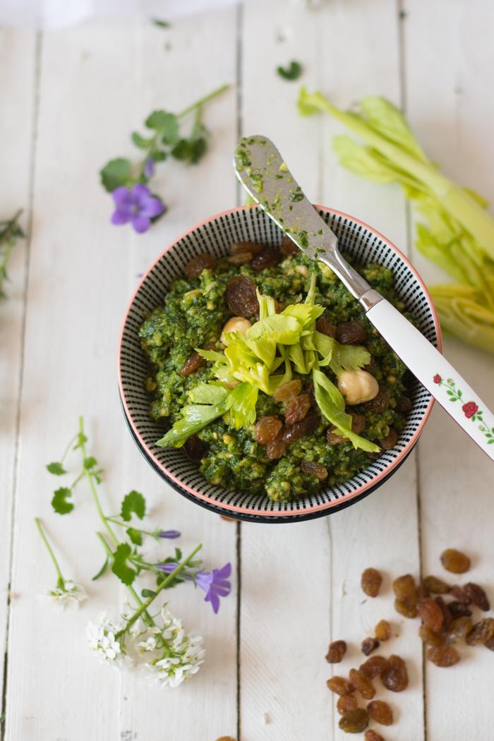 pesto, vegetariano, senza cottura, ricetta veloce, ricette facile, condimento pasta,