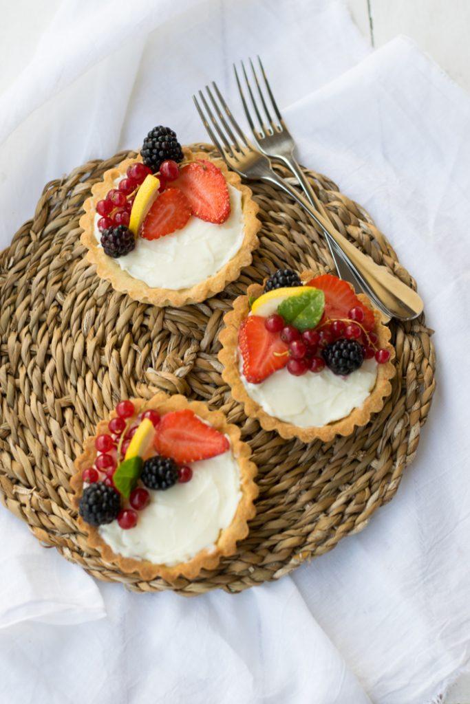 crostata con crema namelaka al limone