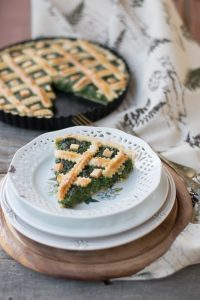 La ricetta della torta salata preparata con ricotta e spinaci