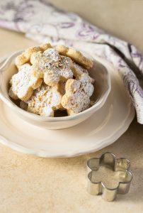 biscotti con le formine, ricette con le mandorle, biscotti glutenfree,