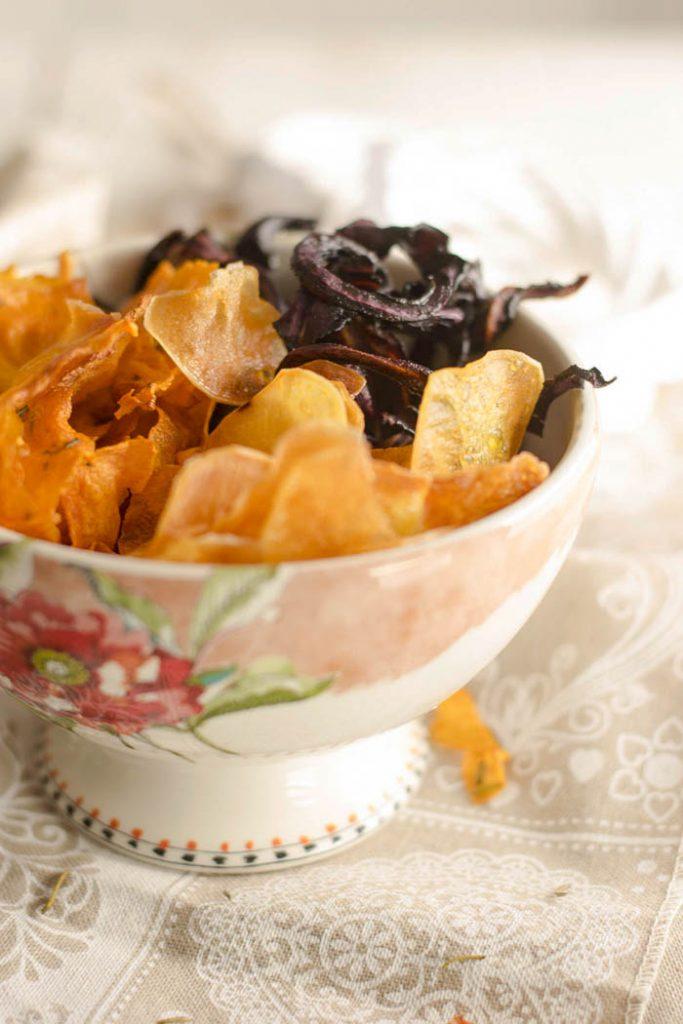 ricette aperitivo, aperitivo light, cena tra amici, chips in forno