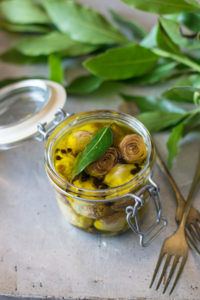 carciofi sott'olio, antipasti, vegan, verdure sott'olio, conserve, ricette dispensa,