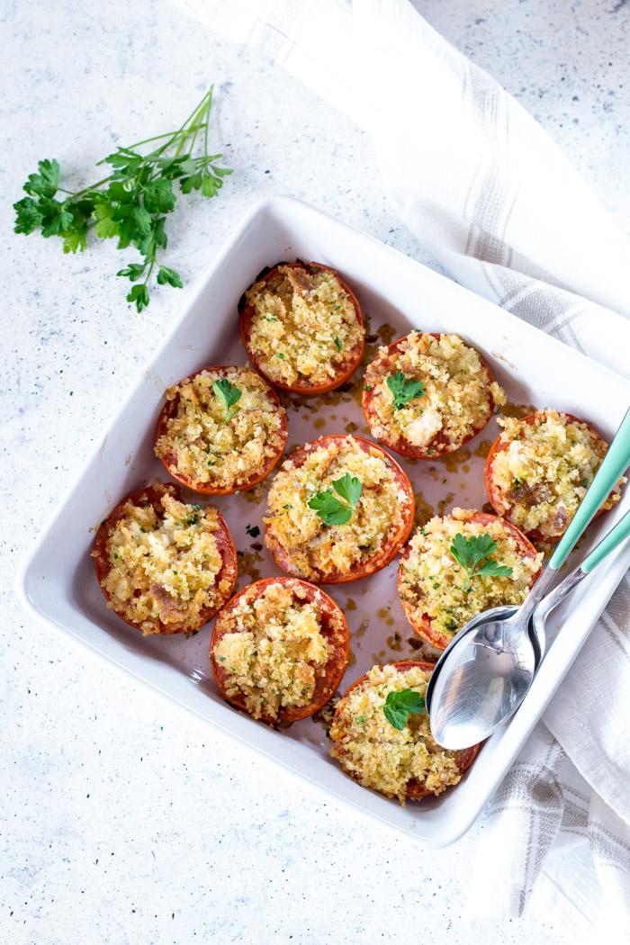 pomodori gratinati in forno con mollica di pane