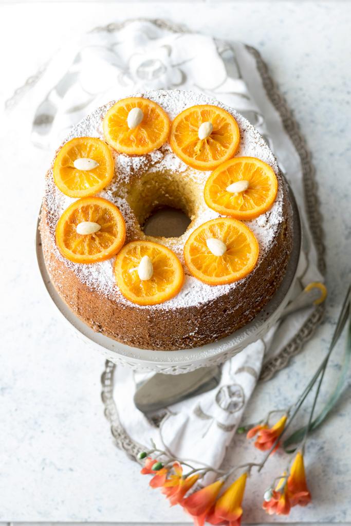 fluffosa con mandorle e arancia